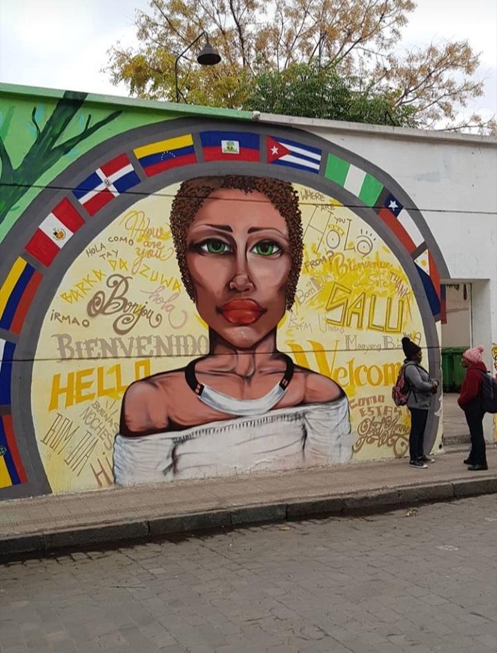 Mural en la entrada de la sede de la Fundación Frè